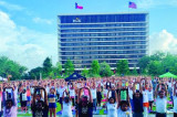 More than 1,200 Join 5th International Day of Yoga at Midtown Park