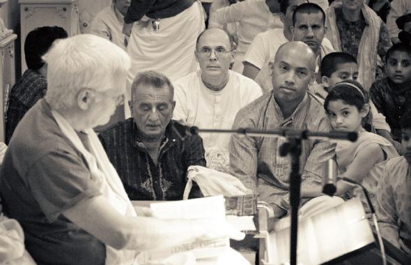 Spriritual talk by His Holiness Rtadvaja Maharaja.