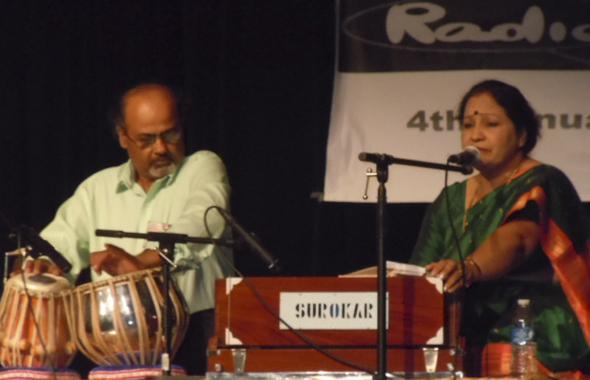 Shyamal Bhattacharya, producer Radio Masti on the tabla and Smt. Mandira Lahiri vocalist.