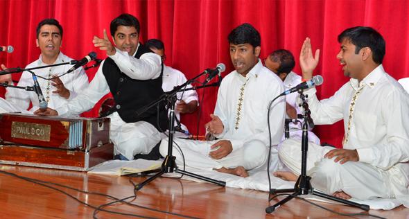 Riyaaz Qawwali opened the show with a bhajan.