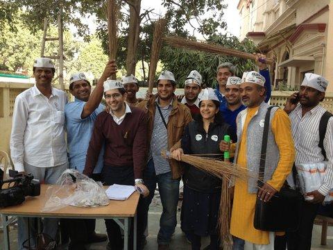 03-volunteers-IndiaInk-blog480