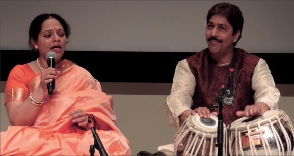 The climactic abhivadan (offering) was performed by Aparna Shah, to the accompaniment of Guruji and all the students.