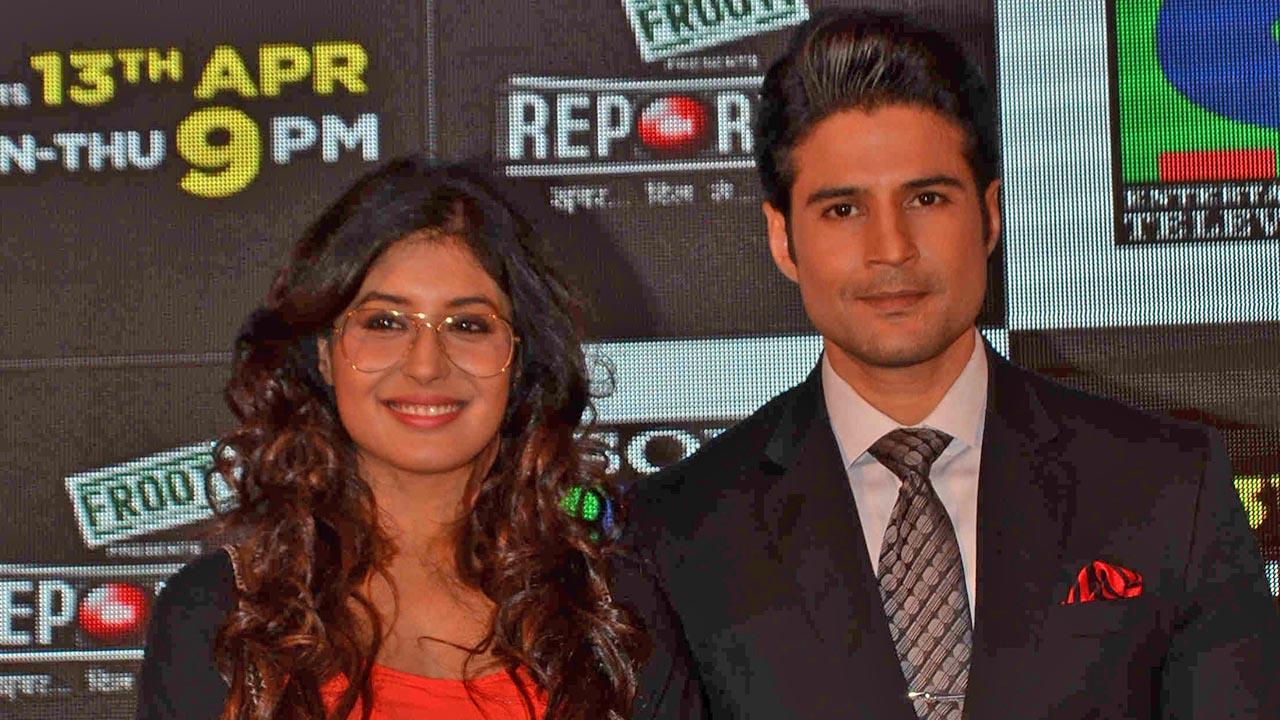kritika-kamra-and-rajeev-khandelwal-share-their-experience-of-shooting-reporters-2754