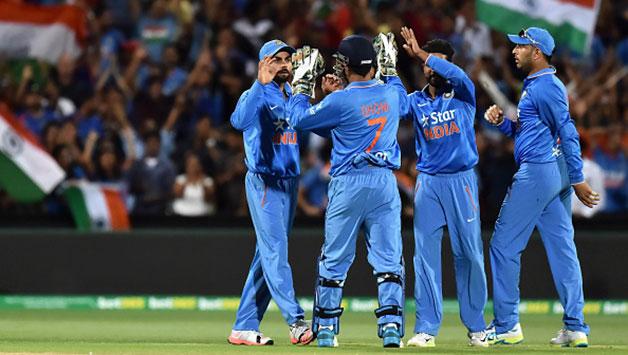 India-celebrate-Steven-Smiths-dismissal-off-Ravindra-Jadeja2