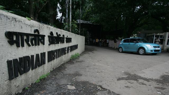 suicides-himself-bombay-student-balkrishna-hostel-hanged_6112f478-1018-11e6-a855-9958039a7c6d