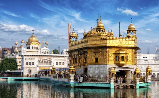 golden-temple-amritsar_650x400_51465180685
