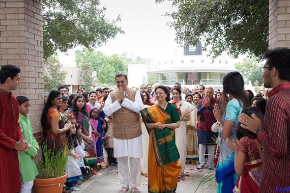Nov.13 (Sunday),Chinmaya family gathered to specially for the 70th birthday milestone of their beloved Acaryas – Sri Gaurangbhai and Smt. Darshanaben Nanavaty.