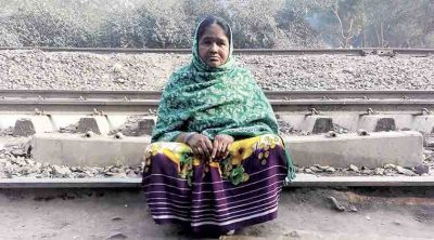Guddi Devi was among those fired by the owner of a slipper unit in Mayapuri, Delhi, after demonetisation. (Express Photo: Sarah Hafeez)