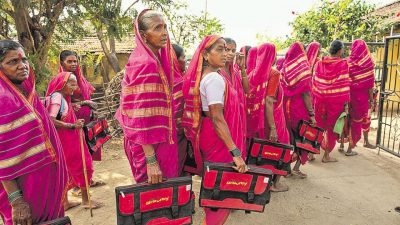 Grannies aged 60 to 90 head to school at Aajibainchi Shala in Phangane village, Thane district, Maharashtra. (Satish Bate/HT Photos)