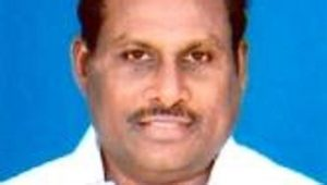 Image of SP Shamuganathan, the AIADMK legislator from Sivaikuntam near Tuticorin who switched from Sasikala camp to Pannerselvam(www.tamilnadumlas.com)