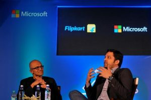 Microsoft CEO Satya Nadella (left) and Flipkart Group CEO and co-founder Binny Bansal attend a news conference in Bengaluru on Monday. Photo: Reuters