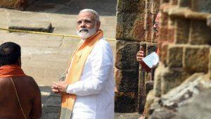 Prime Minister Narendra Modi visits Lingaraj temple in Bhubneshwar, India on Sunday.(Arabinda Mahapatra )