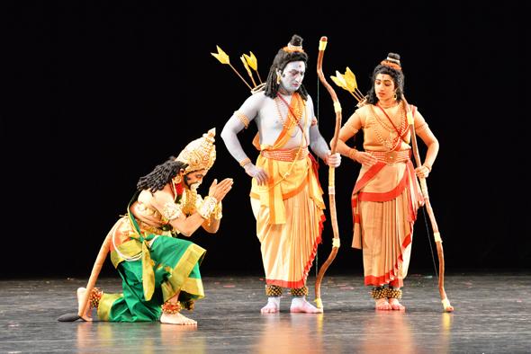 Hanuman (Murali Lanka) meets Rama and Lakshmana (Huma Morpathi)