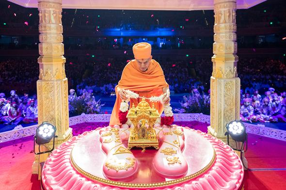 His Holiness Mahant Swami Maharaj on August 13