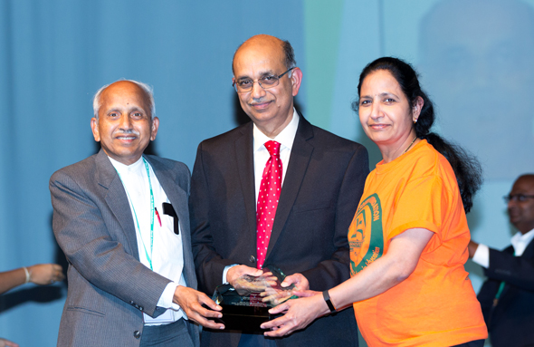 North South Foundation (NSF) Founder and President Dr Chitturi recognizing Sai and Lalitha Rachakonda for their extraordinary service.
