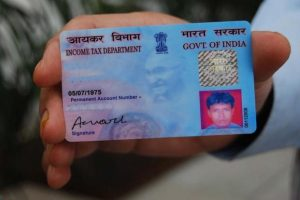 The deadline for PAN-Aadhaar linking is 31 August 2017. Photo: Mint