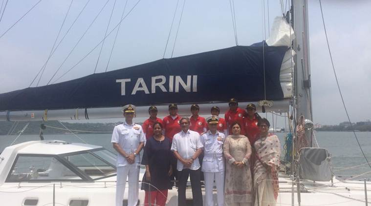 Union Defence Minister with the six-member women crew (Source: Expres photo by Smita Nair)