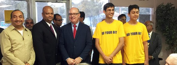 Jiten Agarwal (left) and his sons Rahul and Varun Agarwal (far right) with CG Ray and Texas Rep. Kevin Parker.