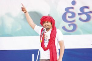 A deal between Hardik Patel's Patidar Anamat Andolan Samiti (PAAS) and the Congress would be crucial as Patels, with a 12-14% vote share, can potentially influence Gujarat election results in favour of a particular political party. Photo: HT