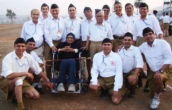 Jagdish Sharda with Sangh workers from Houston and other cities at Pune camp in 2010