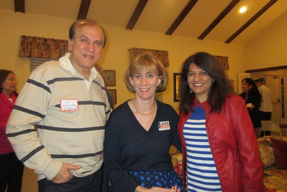 Moser with the media, Jawahar Malhotra (left) and Manisha Gandhi.
