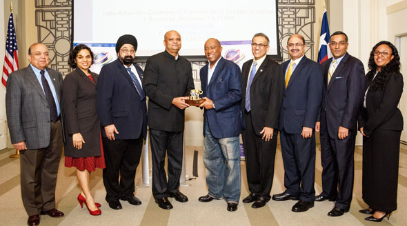 From left: Ashok Garg, Joya Shukla, Jagdip Ahluwalia, Consul General Dr. Anupam Ray, Houston Mayor Sylvester Turner, Swapan Dhairyawan, Rajiv Bhavsar, Sanjay Ramabhadran, Alyssa Holmes Henderson. Photos: Bijay Dixit