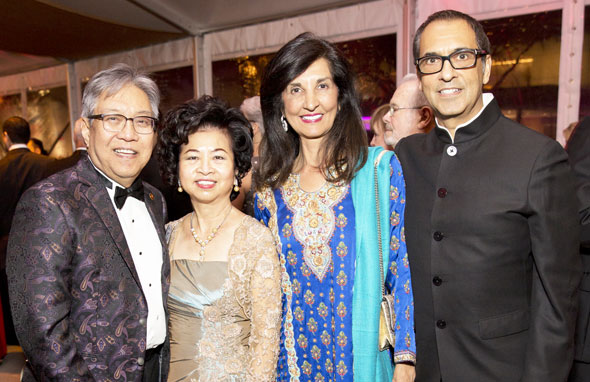 Honorees Gordon (board vice chair) & Sylvia Quan, co-chairs Sultana & board director Moez Mangalji.