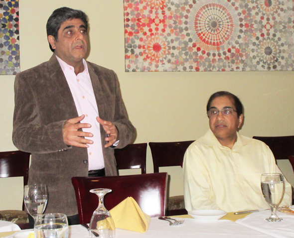 Atul Vir, the co-founder of the Connoisseurs Club, introduced the speaker Munir Ibrahim at the dinner social held at Nirvana restaurant in early March.