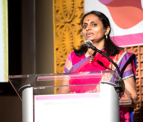 Ilupi Patel addresses the audience on the importance of unity.