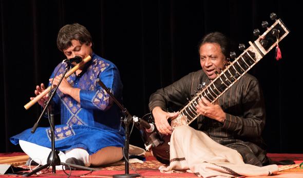 Maestro Shashank (left) and Ustad Shahid Parvez