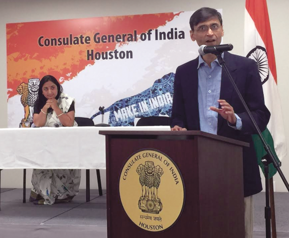 JNU Professor Makarand Paranjape keeps the audience and emcee Sunanda Vashisht in rapt attention during his wide-ranging talk on India's education challenges and potential solutions.