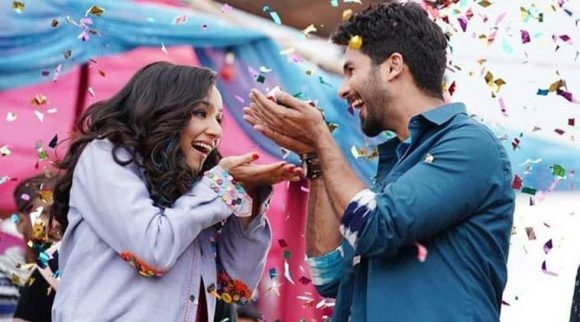 Batti Gul Meter Chalu Movie Review: The movie sticks to the old-fashioned route and leaves us on a note of optimism.