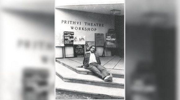Amrish Puri on the steps of Prithvi Theatre (Courtesy: Prithvi Theatre Archive)